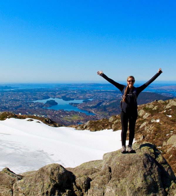 Keeping Fit While Traveling: A How-To