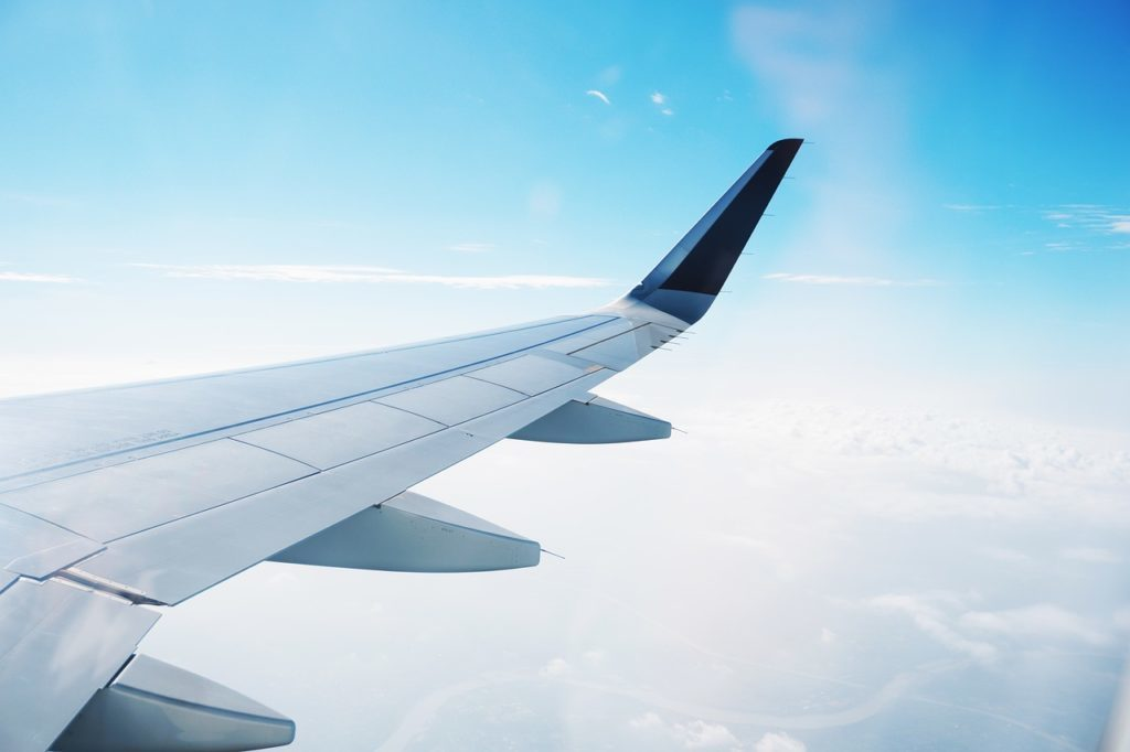Want to know how to find the cheapest flights? Or how to book the lowest airfare? This article details 20 secrets that will help you save money on airfare. There is nothing worse than spending too much for an airline ticket. After lots of experience, we know that! We also know what it takes to find cheap airline tickets. Our 20 tips will help you always find the best route for the lowest price!