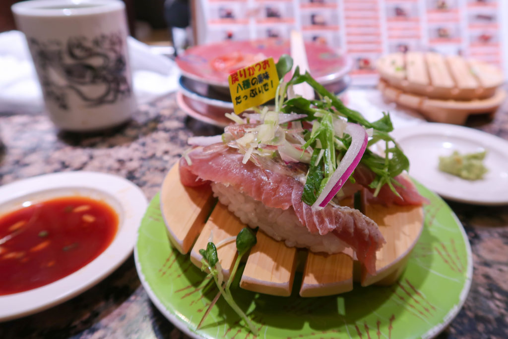 Wondering where to eat in Sapporo, Japan? From sushi to ramen to gyozas, this foodie guide includes all of the best places to eat in Sapporo! | Sapporo, Japan | Sapporo food | Sapporo ramen | Sapporo cafe | Sapporo sushi | Sapporo travel | Japan travel | Sapporo foodie guide
