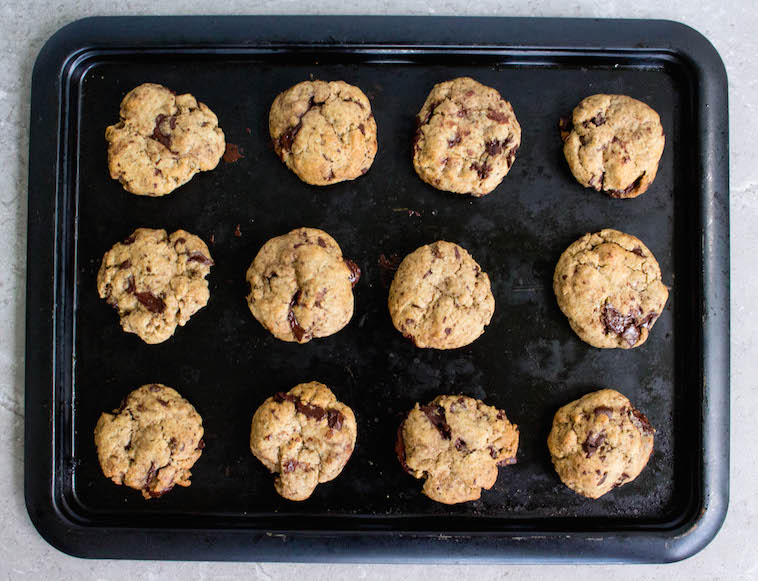 These are the best plant-based chocolate chip cookies. No dairy, no eggs. Vegan!